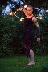 Fiona hoepelt met vuur